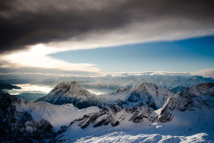Abzug einer Schlechtwetterfront über dem Wettersteingebirge