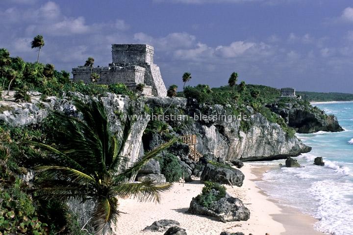 Die Maya-Ruinenstätte von Tulum ist einer der Höhepunkte auf der Halbinsel Yucatán an der Karibikküste von Mexiko.