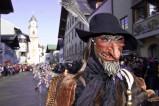 Schellenrührer beim Faschingsumzug in Mittenwald - Der traditionelle Faschingsumzug in Mittenwald ist der bekannteste im Werdenfelser Land.