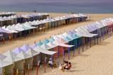 Strand von Nazare in Portugal - Nazare liegt am Atlantik und ist eine Fischerstadt mit einem 2 km langen Sandstrand. Nazare ist auch ein bekannter Wallfahrtsort.