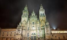 Spanien - Kathedrale von Santiago de Compostela bei Nacht - Die Kathedrale von Santiago de Compostela ist das Ziel aller Pilger, die den Jakobsweg gehen.