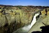 Der Augrabies Fall in Südafrika hat mehr zu bieten als nur einen Wasserfall. Es gibt dort auch faszinierende Wüsten- und Flusslandschaften.